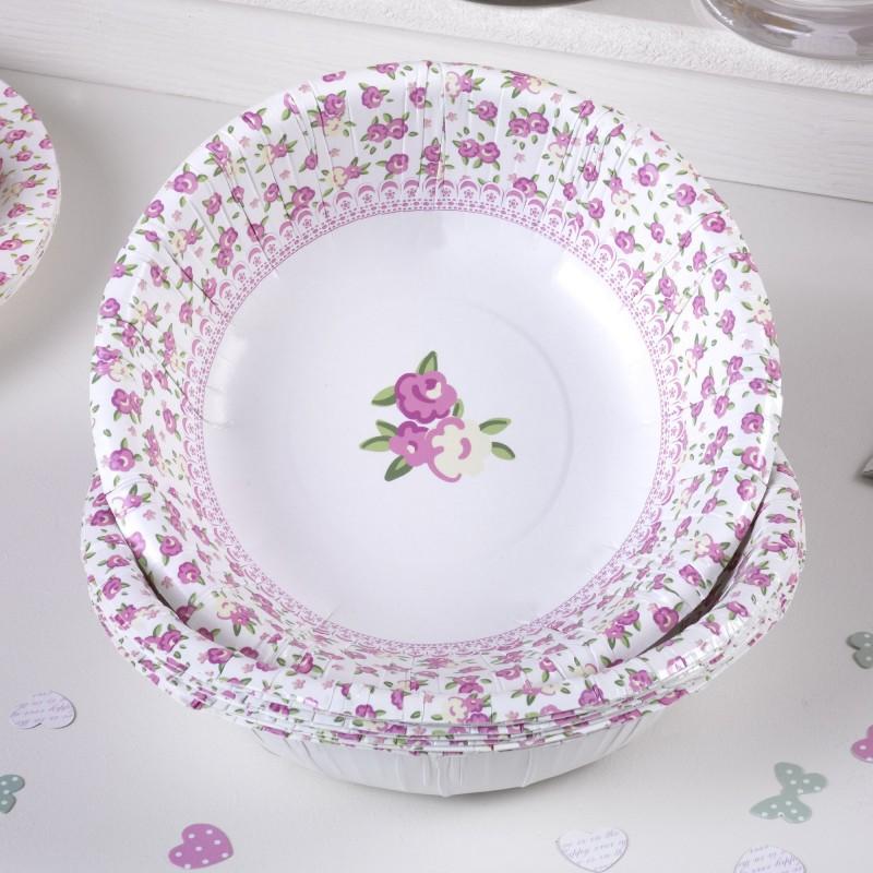 assiettes liberty avec motif fleur rose sur fond rose et vert
