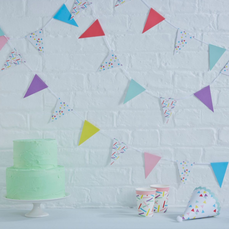 Banderole Géante avec Petits Fanions Triangle en Papier Confettis Colorés Party Anniversaire Enfant