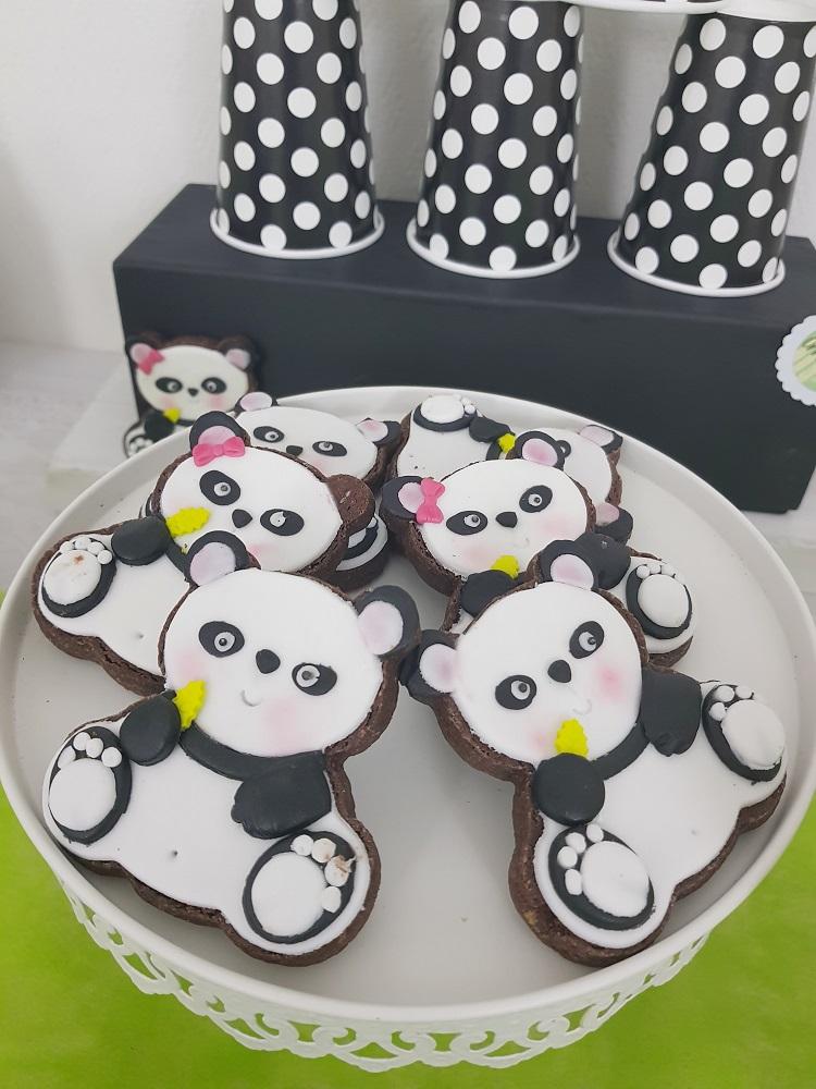 Lanniversaire Panda Pour Les 4 Ans De Théa En Vert Noir Et Blanc