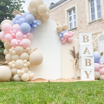"""Magnifique gender reveal signé @ninaballonandsmile organisatrice partenaire en IDF ❤ Notre """"bébé ballons"""" affectueusement. Anissa a beaucoup de talent 🎈 Merci Anissa pour ton partage. C'est sublime. #genderreveal #ballondecoration #ballonsorganiques #organisatriceidf #paris #mybbshowershop #eventplanner #eventsparis #eventplannerparis #organisatriceidf #evenementsalamaison #eventstyler #ballonsorganiquesparis #balloondecor #genderrevealparty #filleougarcon"""